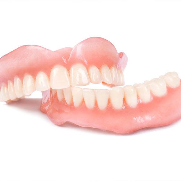Parcijalne i totalne zubne proteze – savršen osmeh je više od estetike